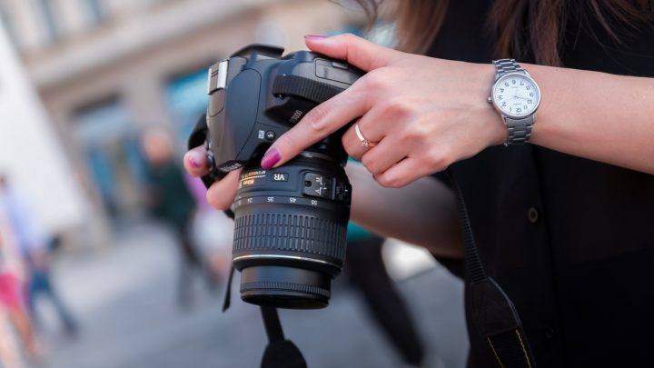 What to Look For in a DSLR Camera